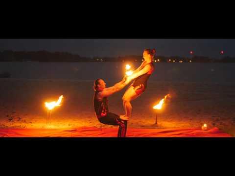 Video: Weltentor's Flammen - klassische Feuershow