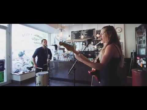 Video: Alpine´s Place - Use Somebody (Kings Of Leon)