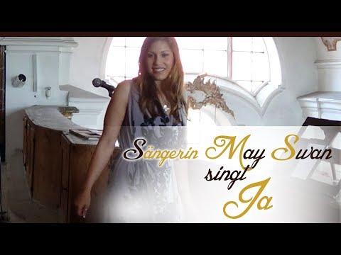 """Video: May Swan singt """"Ja"""" bei einer kirchlichen Trauung"""