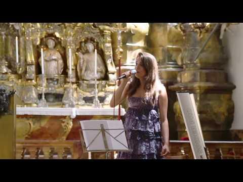 Video: Hallelujah live in der Kirche