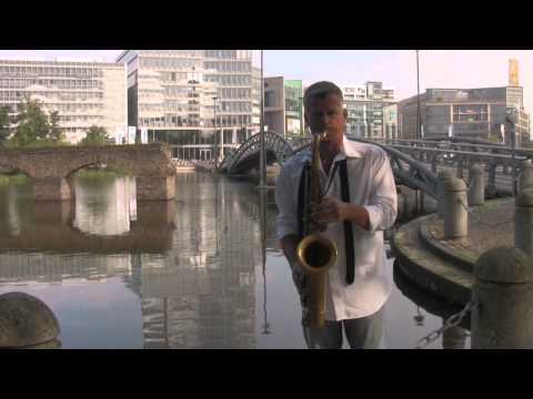 Video: LOUNGE DELUXE mit Saxofon