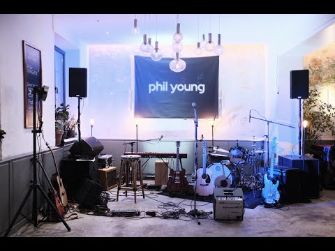 Video: Phil Young - Make you happier (live)