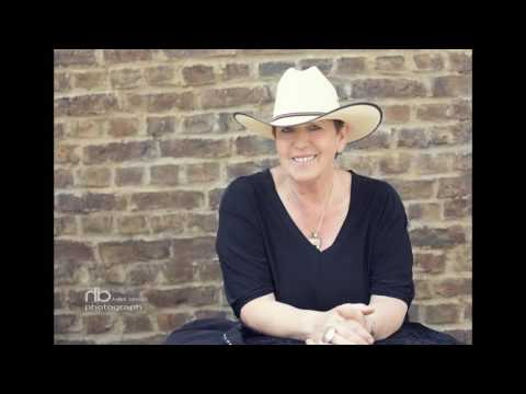Video: Demo Jodie with an old patsy cline song