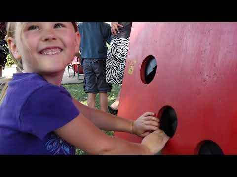 Video: Feuerrotes Spielmobil