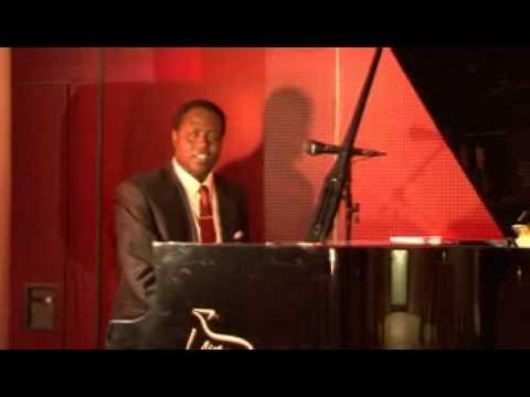 Video: Francky Piano Solo