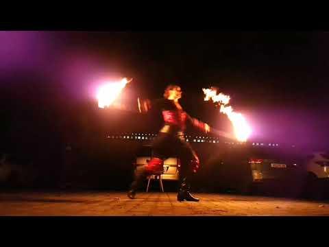 "Video: Solo- Feuershow ""Luminous Dance"""