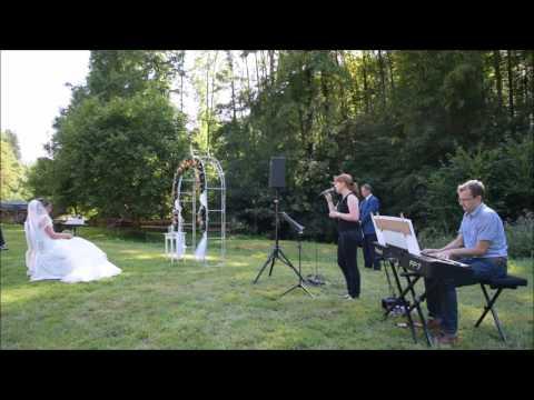 Video: Julia und René - Seite an Seite (Christina Stürmer)