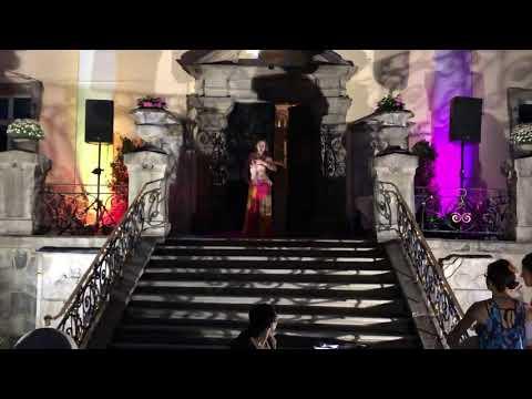 Video: Oriental Solo vor dem Schloss Döhlau
