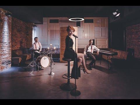 Video: Sweet Dreams Musikvideo
