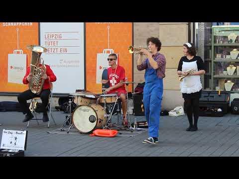 Video: I wanna be like - Straßenmusik in Leipzig