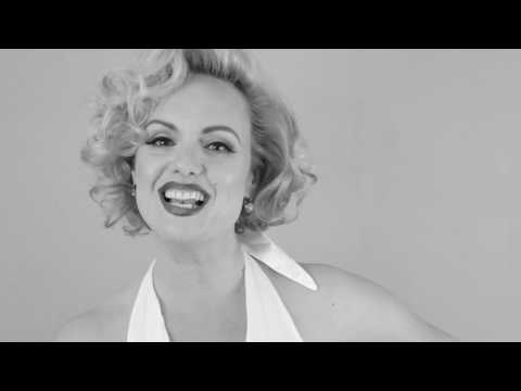 """Video: Marilyn Monroe Double Ricarda mit """"I wanna be loved by you"""""""