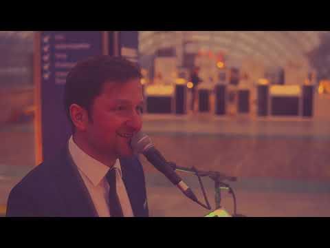 Video: Pianoanwalt mit Da müsste Musik sein