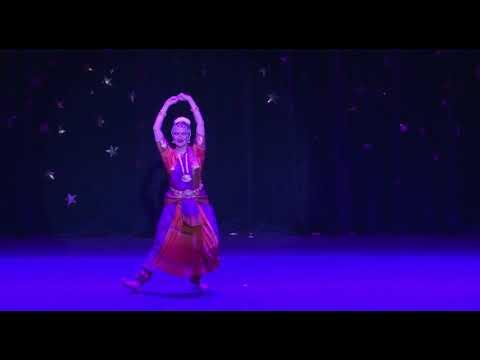Video: Bharatanatyam - Saraswati Flower Offering