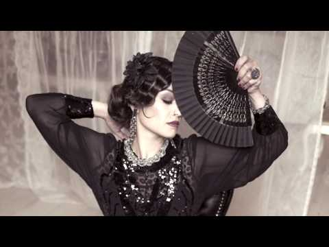 Video: Femmes Fatales - Medley