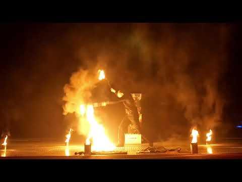 Video: Perujo's Feuershow 2020 für Privat- und Firmenfeiern aller Art