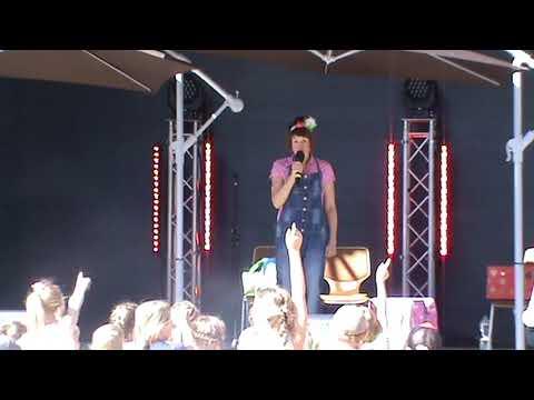 Video: Vicky Holiday Kindershow