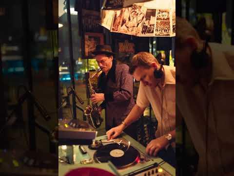 Video: Soft DJ & Sax recording at Monkey bar