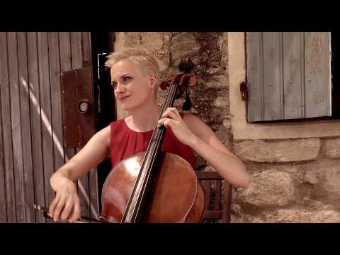 Video: J.S.Bach: Präludium der 1. Suite (cello solo)