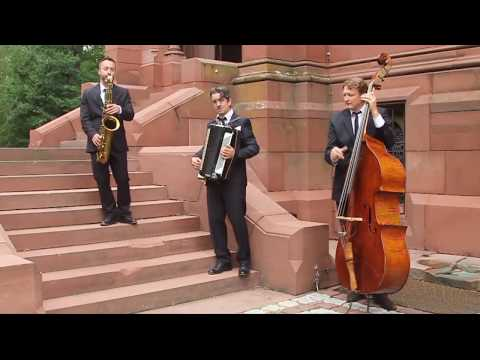"""Video: Mobile Gentlemen - """"Englishman in NY"""", """"On the Sunny Side of the Street"""", """"Bei mir bist du schön"""""""