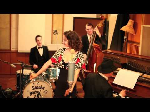 Video: Jazziki - sing sing sing