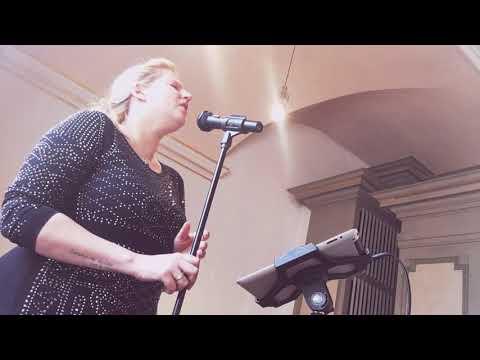 Video: Hallelujah Alexandra Burke (Livemitschnitt)
