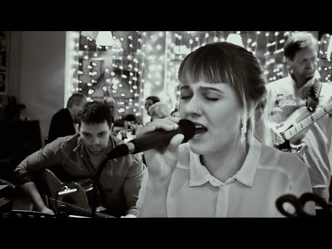 Video: Skyfall - Adele Cover - Live