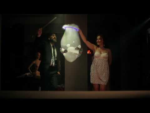 Video: DIE FUNKY BUBBLE SHOW