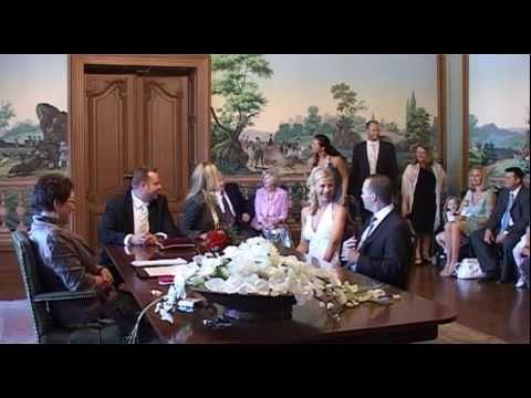 """Video: Überraschung zur standesamtlichen Trauung - Hier hat die Braut ihrem Bräutigam den Song """" HELLO"""" geschenkt."""