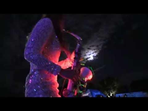 Video: DJane+ Saxophonistin