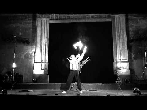 Video: Feuershow mit hohen Flammen und großen Gefühlen ;-)