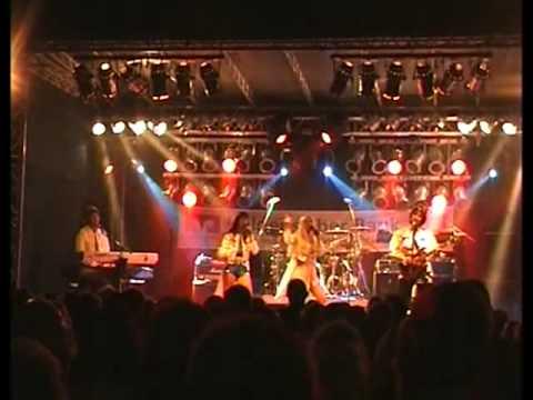 Video: ABBAgirls live