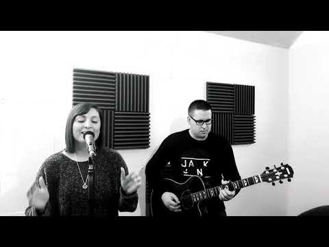 Video: Andreas Gabalier - Amoi seg ma uns wieder | Nadine & Johannes Cover