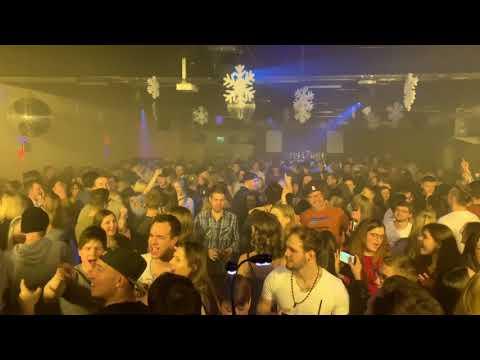 Video: 90er-Party in der Expressguthalle in Villingen-Schwenningen