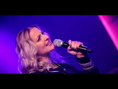 Video: Helene Fischer Double Show by Sarah Farinia (Original by Helene Fischer)