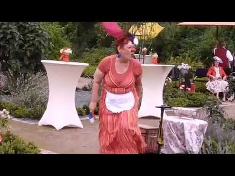 Video: Klassenclown und Zirkusdompteuse