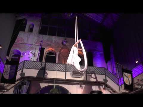 Video: Julia Staedler, Vertikaltuch mit Motorwinde,Palazzohalle Karlsruhe